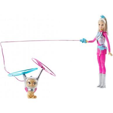 Barbie i latający kotek DWD24 Mattel